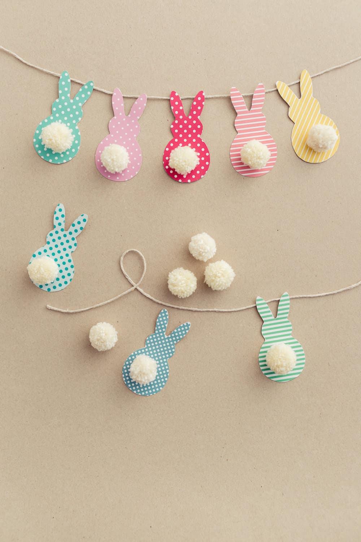 DIY-Bunny-Tail-Easter-Garland